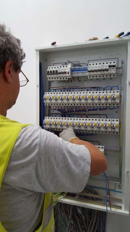 Instalatii electrice si masuratori PRAM, Automatizari, bransamente electrice